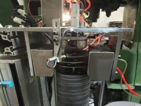 定做弧形铁板分层器 V形磁性分离器 圆铁片快速自动分张器